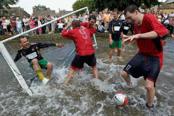 فوتبال رودخانه ای در انگلستان | TAK2FUN.COM | تک تو سرگرمی
